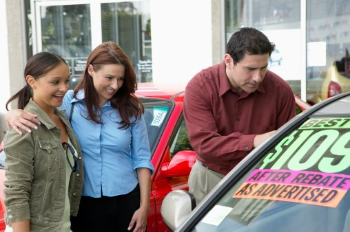Used vehicle market to slip in 2014, US