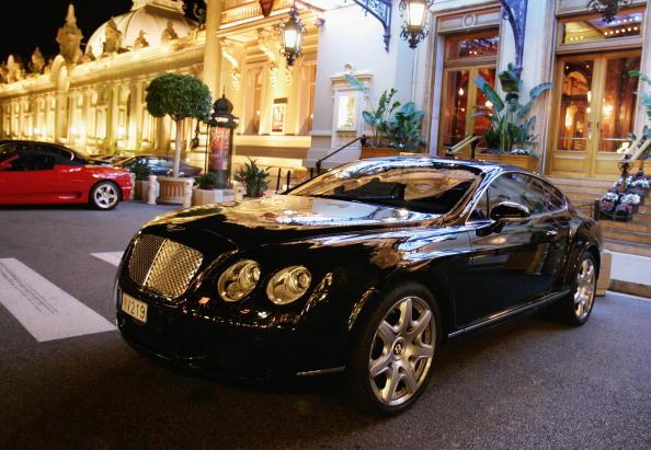 Volkswagen luxury brands record sales