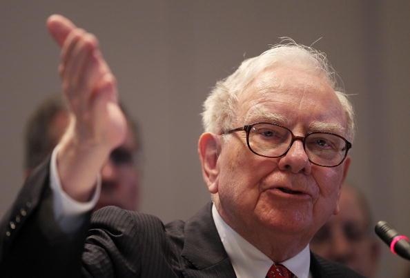 Warren Buffett Testifies At Financial Crisis Inquiry Commission Hearing