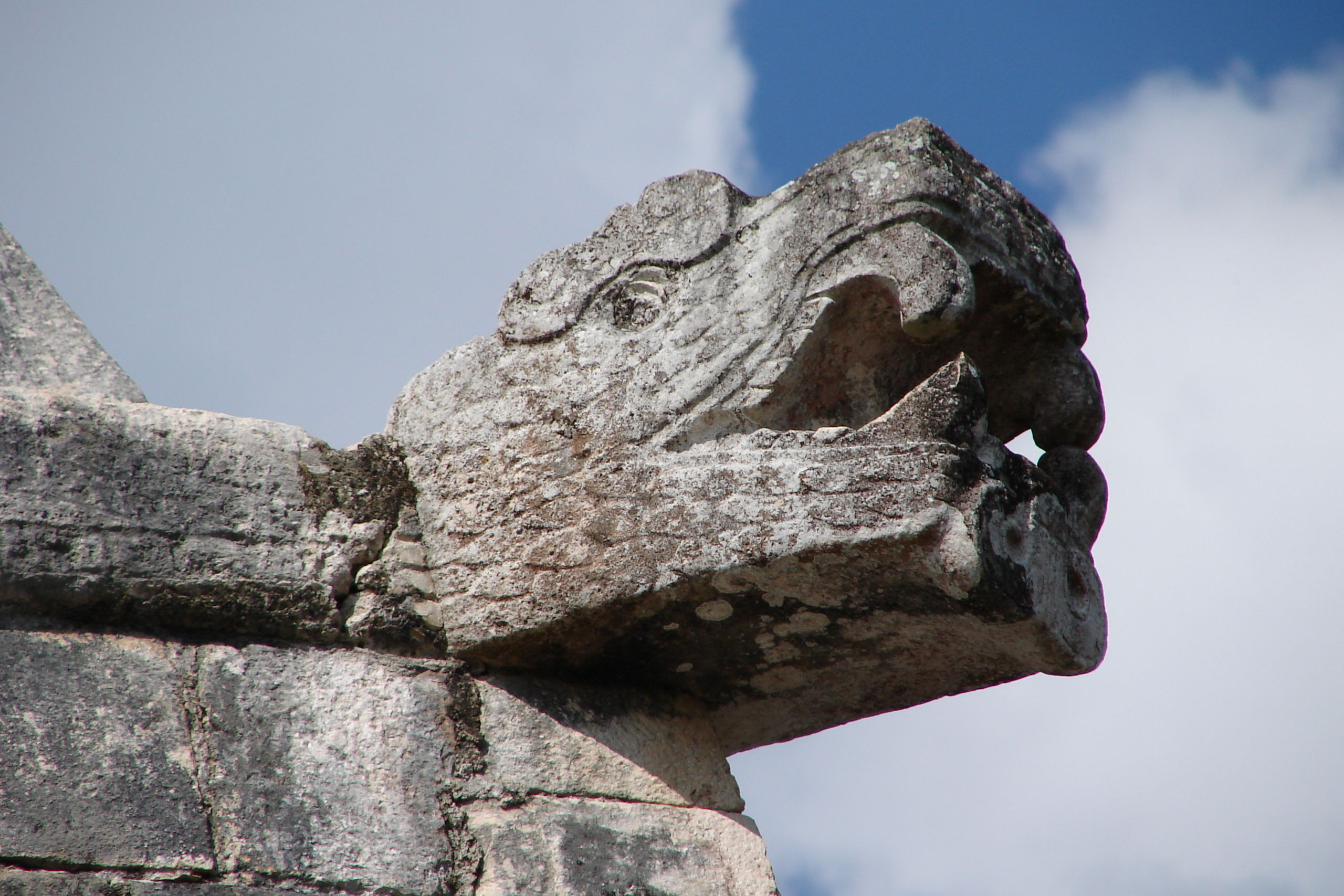 Serpent_Head,_Chichen_Itza