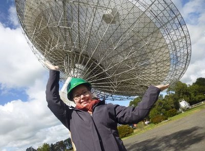 Emily Petroff at the Parkes observatory