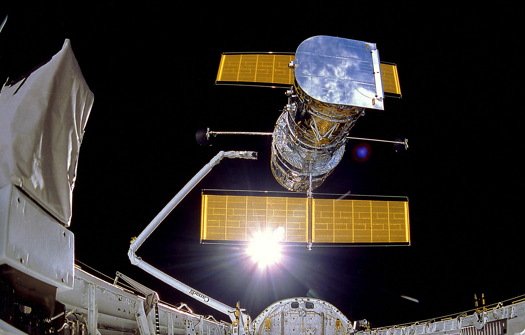 hubble deployed from discovery 1990