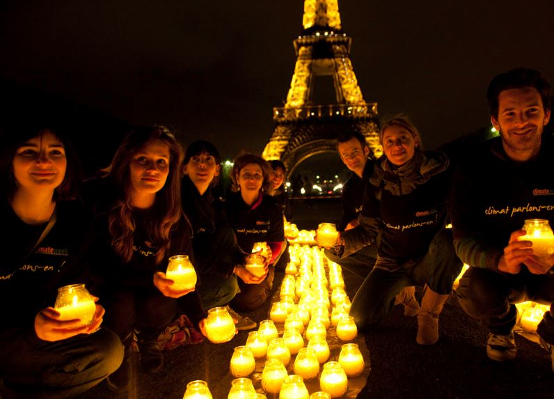 Eiffel Tower Earth Hour