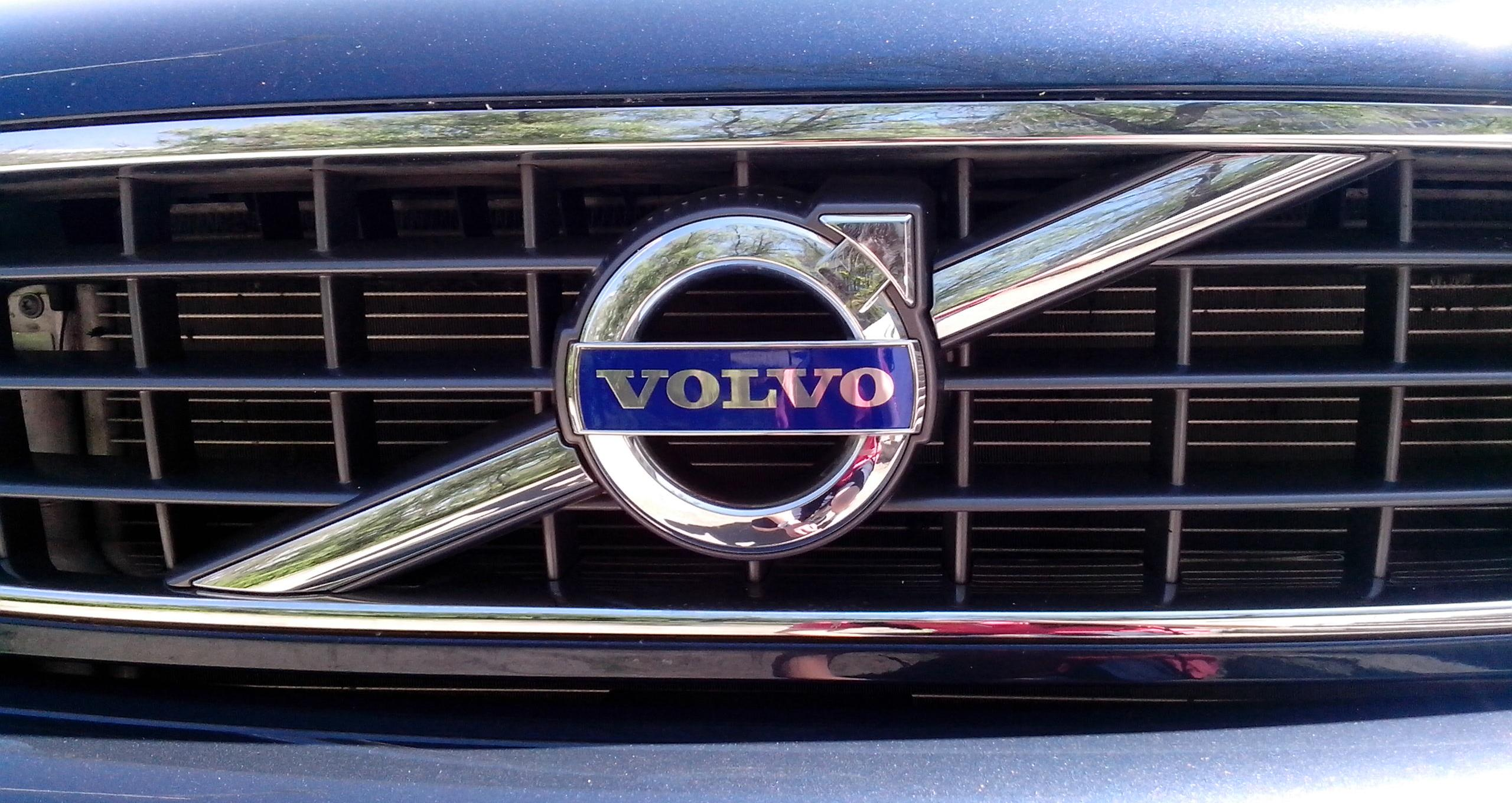 volvo logo on grill