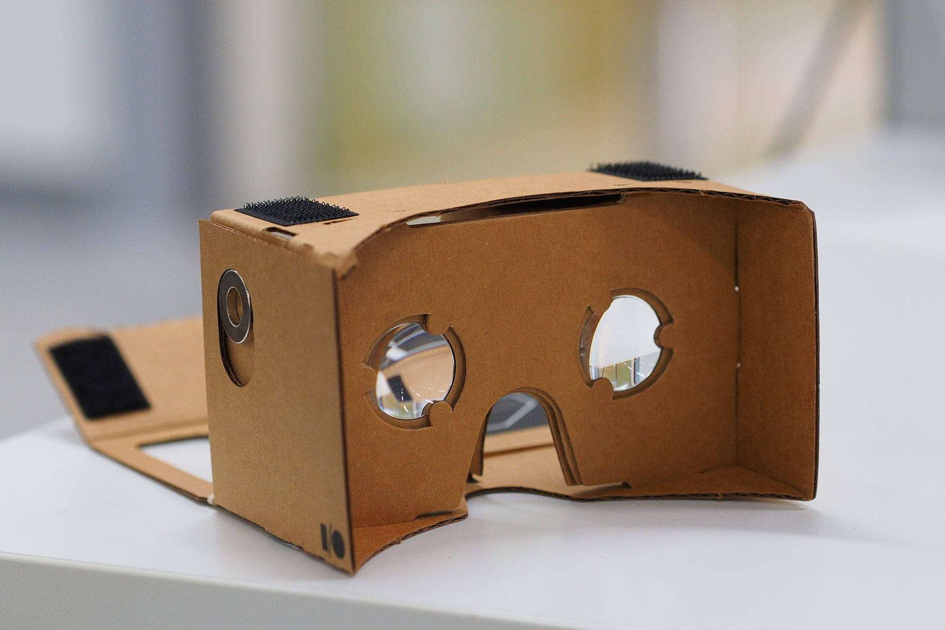 Google creates virtual reality arm, names key exec to run it