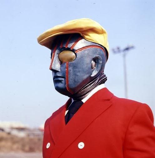 James Bond type robots