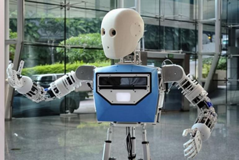 Robot EDGAR allows you to be at two places at same time