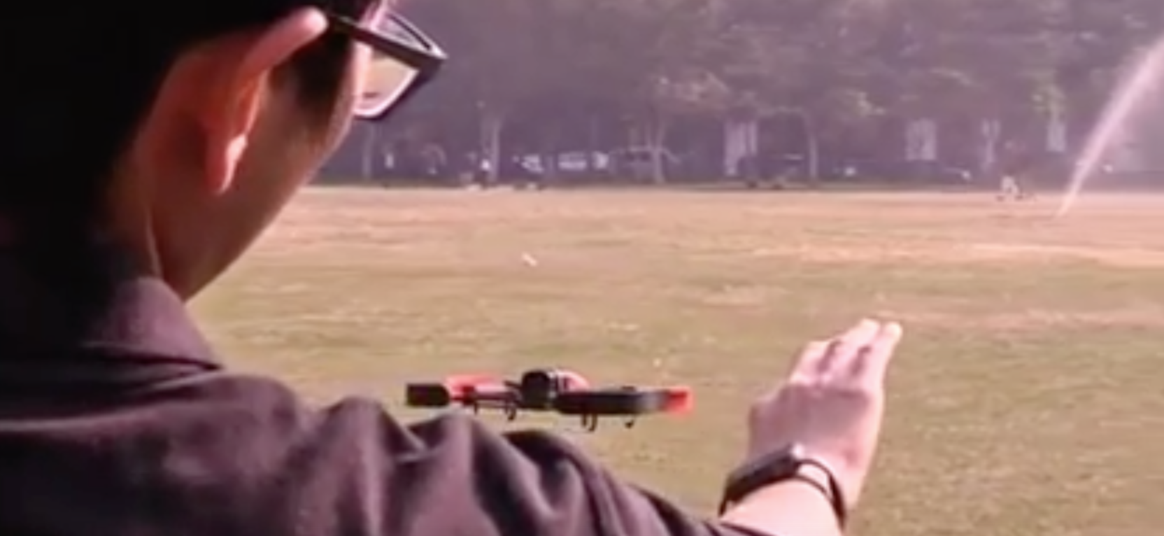 Flying_Drone_Hand_Gesture
