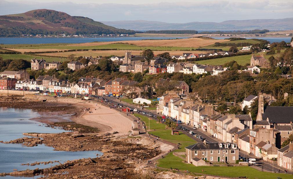 Gold found in rocks at Millport beach Cumbrae in Scotland