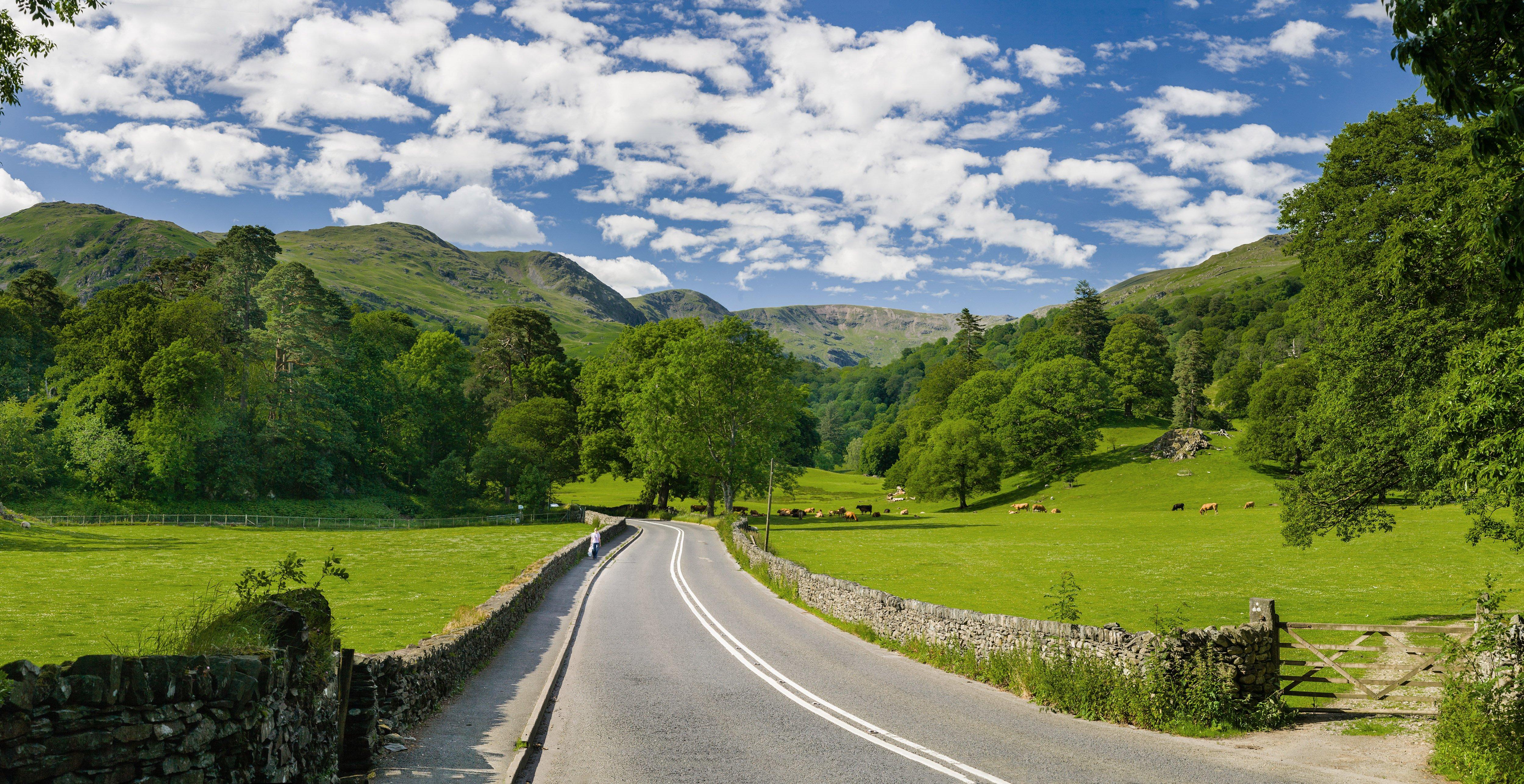 A591_road,_Lake_District_-_June_2009_Edit_1