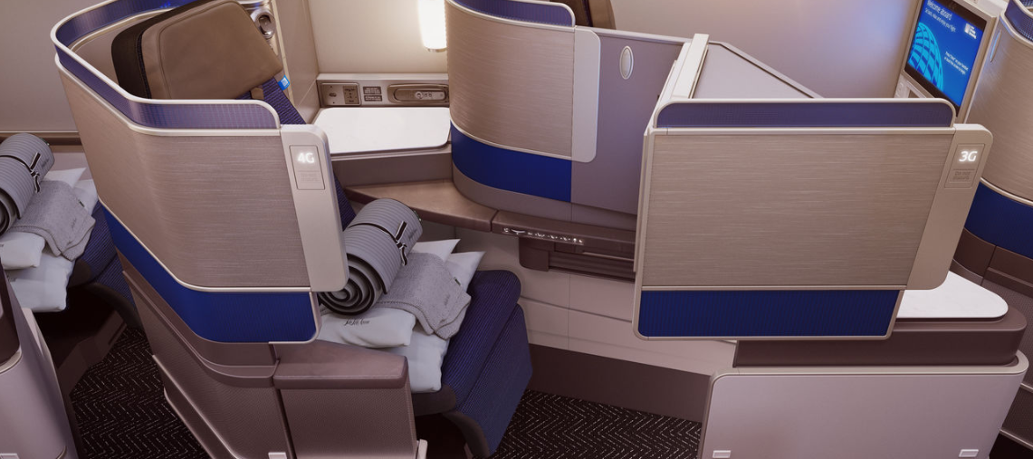 Polaris_United_Business_Class_Cabin2