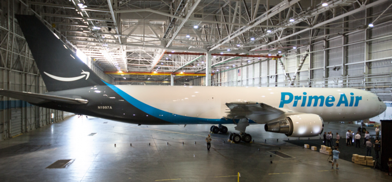 AMAZON_PRIME_AIRPLANE