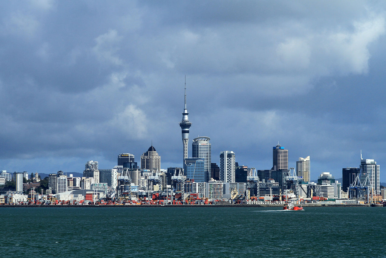 1280px-Auckland_Harbour_View_08_(5642802992)