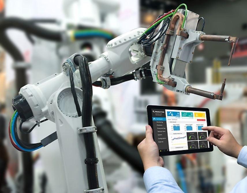 Artificial Intelligence at Daimler