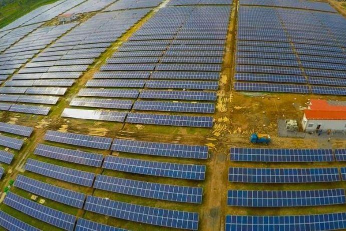 Cochin International Airport solar panels - Thumbnail