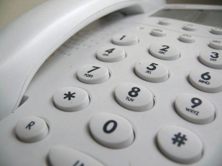 Office etiquette phone usage 444